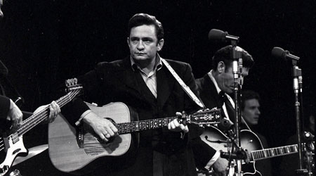 L_JohnnyCash_LegendsinConcert