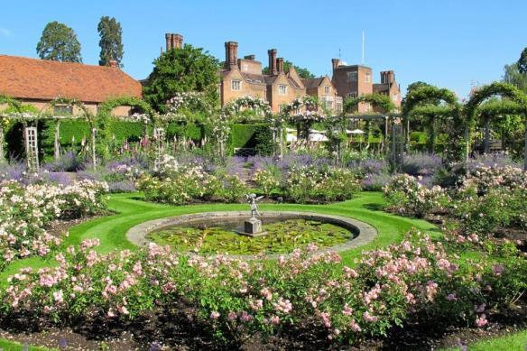 Rose_garden_1918_Gret_foster